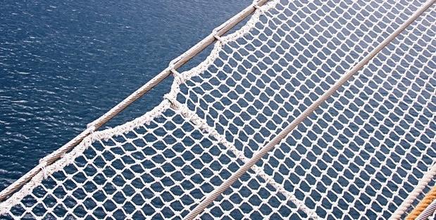 Lưới an toàn dù trắng hứng rơi khổ 1.5mx50m mắt lưới 10cm màu trắng - lH 0971.379.789